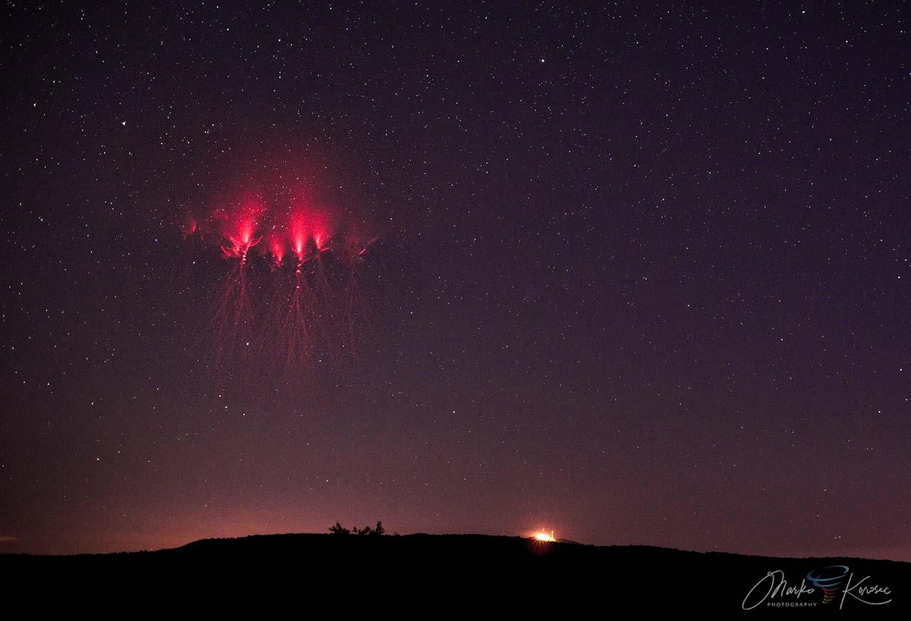 atmosphere-mesosphere-red-sprites
